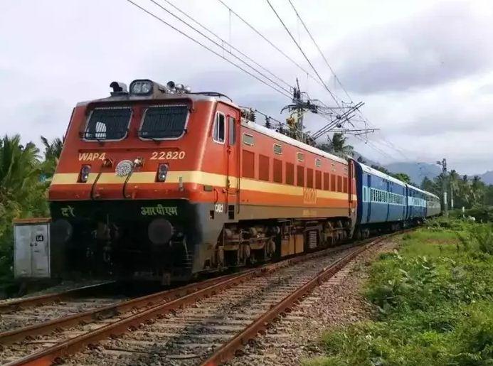 Indian Railways: रेल यात्रियों के लिए एक और खुशखबरी! लॉकडाउन में एक्सपायर हुए MST से अभी भी कर सकेंगे रेल सफर