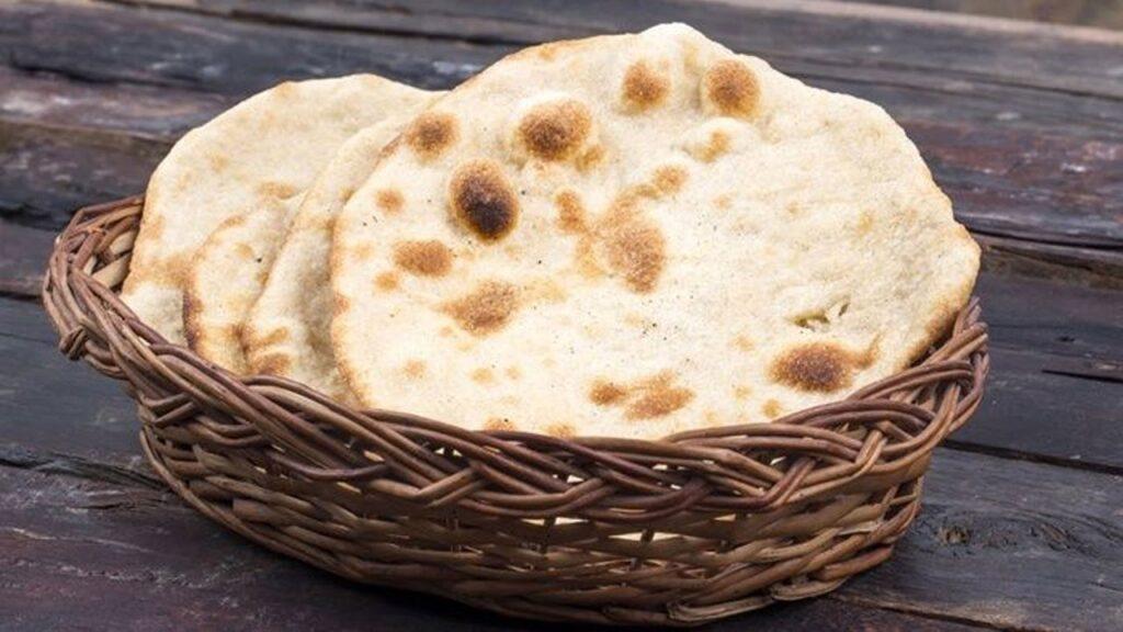 रेस्टोरेंट में जाकर भूलकर भी खाने में ऑर्डर ना करें तंदूरी रोटी, इसकी सच्चाई जानकर आपके भी उड़ जाएंगे होश